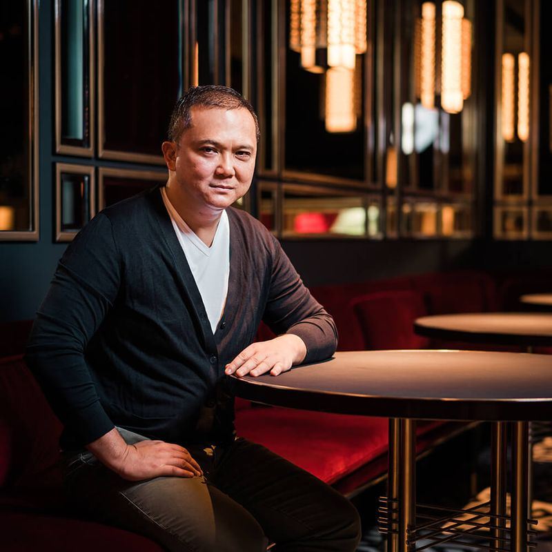 The Man Behind Hakkasan Opens a New Restaurant in Singapore